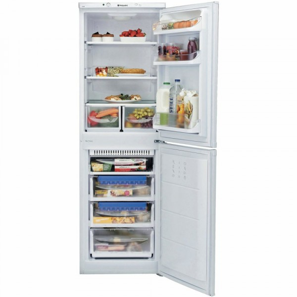 55cm Wide 174cm Tall Frost Free Fridge Freezer In White