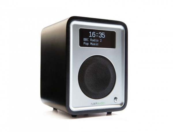 Ruark R1 MK3 Black Deluxe table top radio with bluetooth