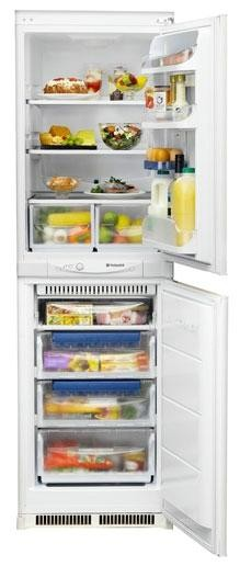 Hotpoint HM325FF.1 Frost Free Integrated Fridge Freezer