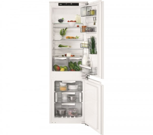 AEG SCE81824NC Integrated Fridge Freezer