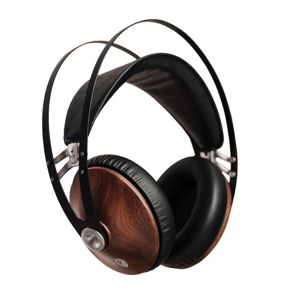 Meze 99 Classics Over-Ear Headphones in Walnut and Silver SIDE VIEW TILTED